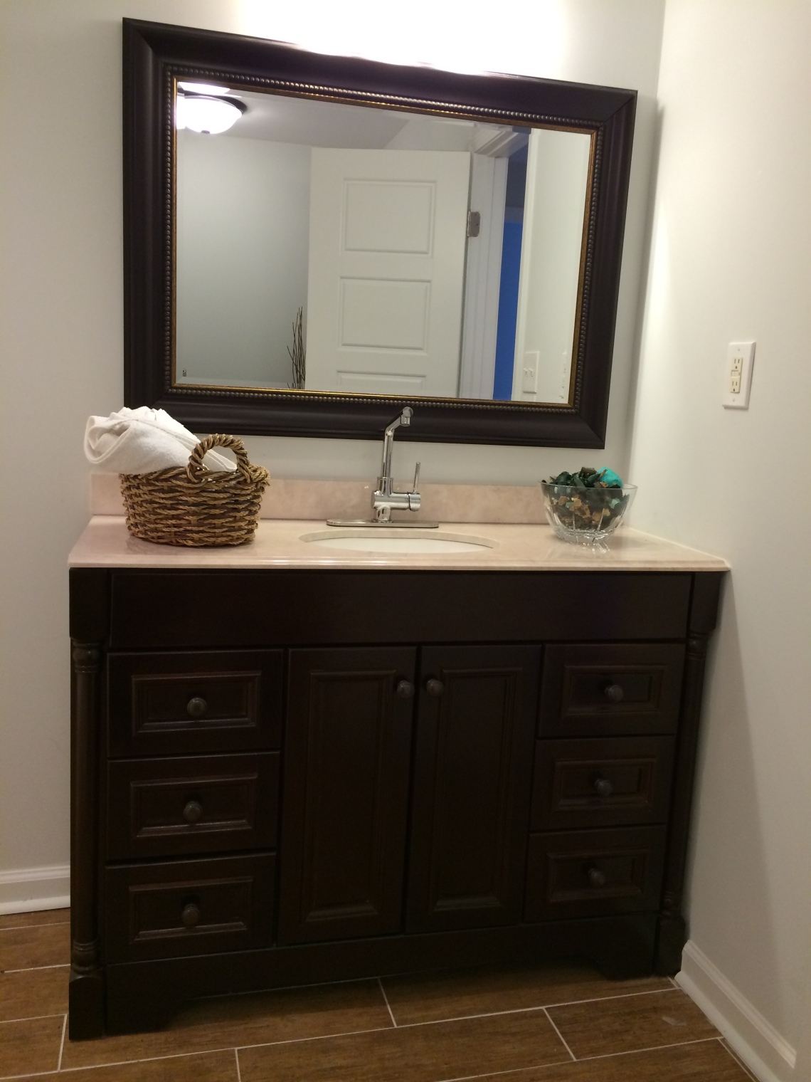 1442-thomas-basement-vanity-3-9