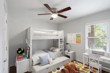 childrens bedroom staged