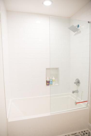 17 Master bath shower tub