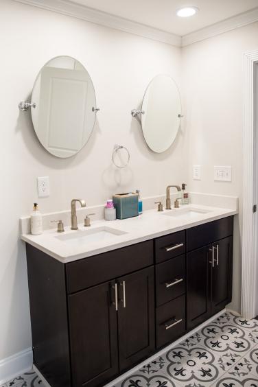 19 Master Bath vanity