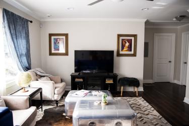6 Living Room from front door