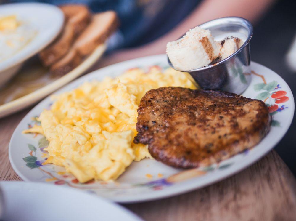 Le Petit Marche breakfast and brunch Kirkwood
